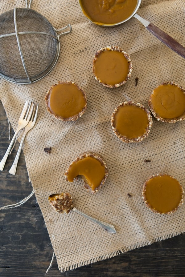 vegan pumpkin tarts - overhead